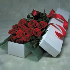 Aydın online çiçek gönderme sipariş  11 adet gülden kutu