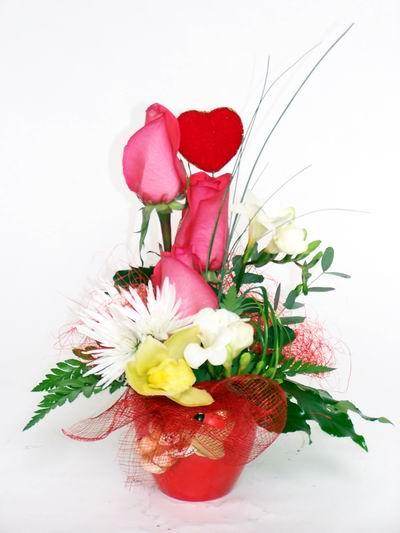 Aydın ucuz çiçek gönder  cam içerisinde 3 adet gül ve kir çiçekleri