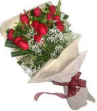 11 adet kirmizi güllerden özel buket  Aydın internetten çiçek siparişi
