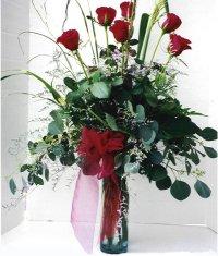 Aydın çiçek siparişi sitesi  7 adet gül özel bir tanzim
