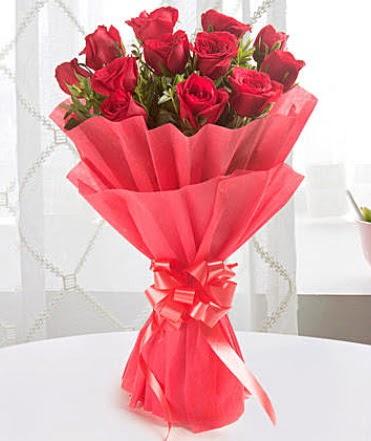 12 adet kırmızı gülden modern buket  Aydın çiçek yolla