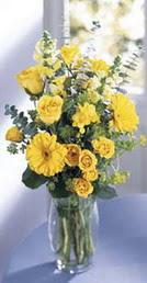 Aydın online çiçek gönderme sipariş  sari güller ve gerbera cam yada mika vazo