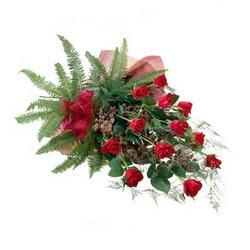 Aydın online çiçek gönderme sipariş  10 adet kirmizi gül özel buket çiçek siparisi