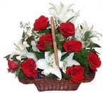 sepette gül ve kazablankalar   Aydın çiçekçi mağazası