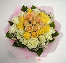 sari ve beyaz gül karisimda   Aydın çiçek , çiçekçi , çiçekçilik