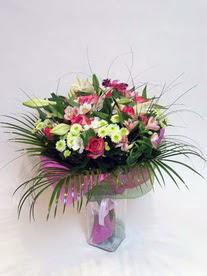 Aydın hediye çiçek yolla  karisik mevsim buketi mevsime göre hazirlanir.