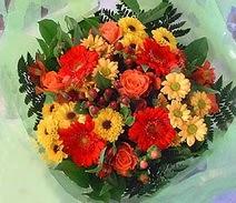 Aydın ucuz çiçek gönder  sade hos orta boy karisik demet çiçek