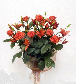 9 adet gül ve 3 adet lilyum çiçegi buketi   Aydın cicek , cicekci