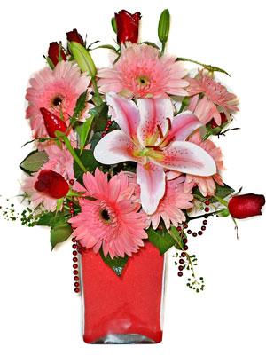 Aydın cicek , cicekci  karisik cam yada mika vazoda mevsim çiçekleri mevsim demeti