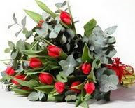 Aydın çiçek satışı  11 adet kirmizi gül buketi özel günler için