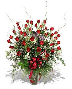 Aydın çiçek siparişi sitesi  33 adet kirmizi gül vazo içerisinde