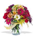 Aydın çiçek , çiçekçi , çiçekçilik  cam yada mika vazo içerisinde karisik kir çiçekleri
