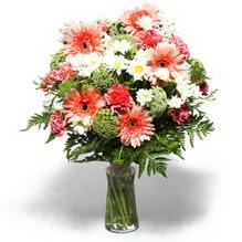 Aydın çiçekçiler  cam yada mika vazo içerisinde karisik demet çiçegi