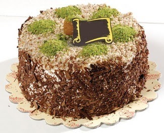 pasta gönderme 4 ile 6 kisilik çikolatali yas pasta  Aydın çiçek satışı