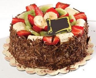 pastaci firmasindan 4 ile 6 kisilik çikolata meyvali yaspasta  Aydın çiçek siparişi sitesi