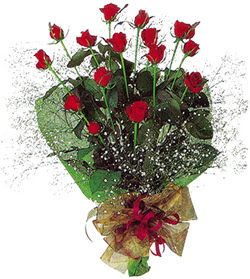 11 adet kirmizi gül buketi özel hediyelik  Aydın çiçekçi mağazası