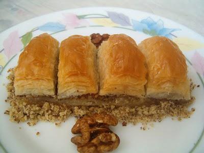 online pastane Essiz lezzette 1 kilo cevizli baklava  Aydın cicek , cicekci