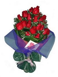 12 adet kirmizi gül buketi  Aydın online çiçek gönderme sipariş