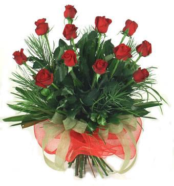 Çiçek yolla 12 adet kirmizi gül buketi  Aydın güvenli kaliteli hızlı çiçek