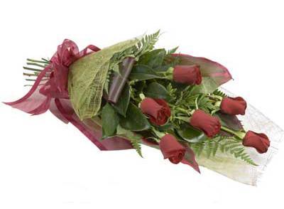 ucuz çiçek siparisi 6 adet kirmizi gül buket  Aydın çiçek siparişi sitesi