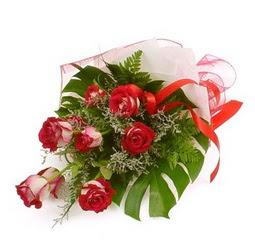 Çiçek gönder 9 adet kirmizi gül buketi  Aydın çiçek siparişi vermek