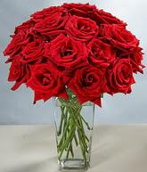 Aydın çiçekçi mağazası  cam vazoda 11 kirmizi gül  Aydın hediye sevgilime hediye çiçek