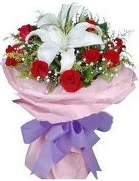 9 adet kirmizi gül 1 adet kazablanka buketi  Aydın çiçekçi mağazası
