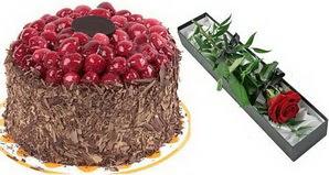 1 adet yas pasta ve 1 adet kutu gül  Aydın uluslararası çiçek gönderme