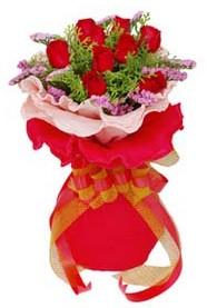 Aydın cicekciler , cicek siparisi  8 Adet kirmizi güllerden buket tanzimi