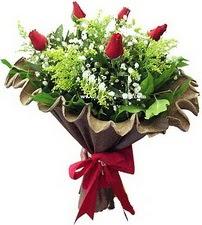 Aydın online çiçek gönderme sipariş  5 adet kirmizi gül buketi demeti