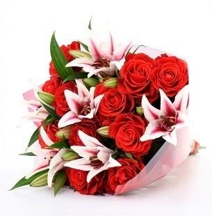 Aydın çiçek siparişi vermek  3 dal kazablanka ve 11 adet kırmızı gül