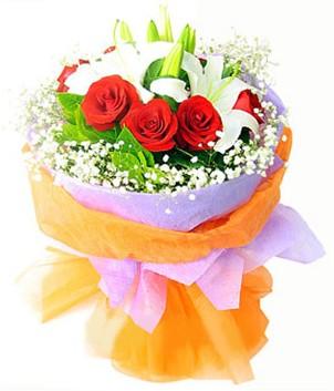 Aydın çiçek gönderme sitemiz güvenlidir  1 dal kazablanka 7 adet kırmızı gül buketi