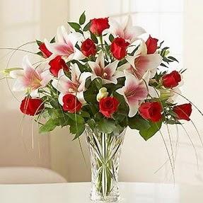 Aydın çiçek mağazası , çiçekçi adresleri  12 adet kırmızı gül 1 dal kazablanka çiçeği