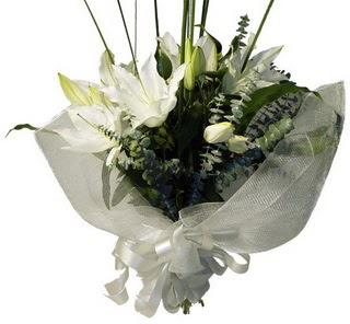 Aydın çiçekçi mağazası  2 dal kazablanka çiçek buketi