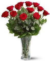 11 adet kırmızı gül vazoda  Aydın internetten çiçek siparişi