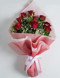 9 adet kırmızı gülden buket  Aydın çiçek satışı
