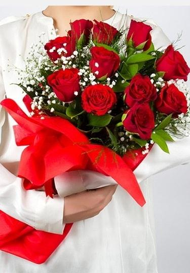 Aşk Gülleri 11 Adet kırmızı gül buketi  Aydın çiçekçi telefonları