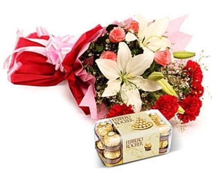 Karışık buket ve kutu çikolata  Aydın çiçek , çiçekçi , çiçekçilik